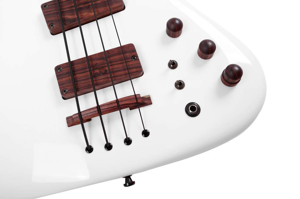 03-custom-e-bass-kronos-5-string-regal-dreamWahlbrink Custom Basses.jpg