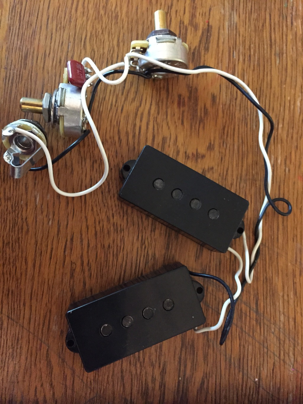 sold fender roadworn p-bass pickup and wiring harness