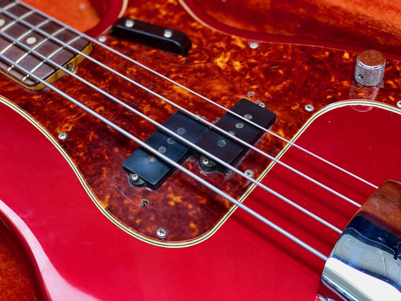 1965 Fender Precision Candy Apple Red - 15.jpeg