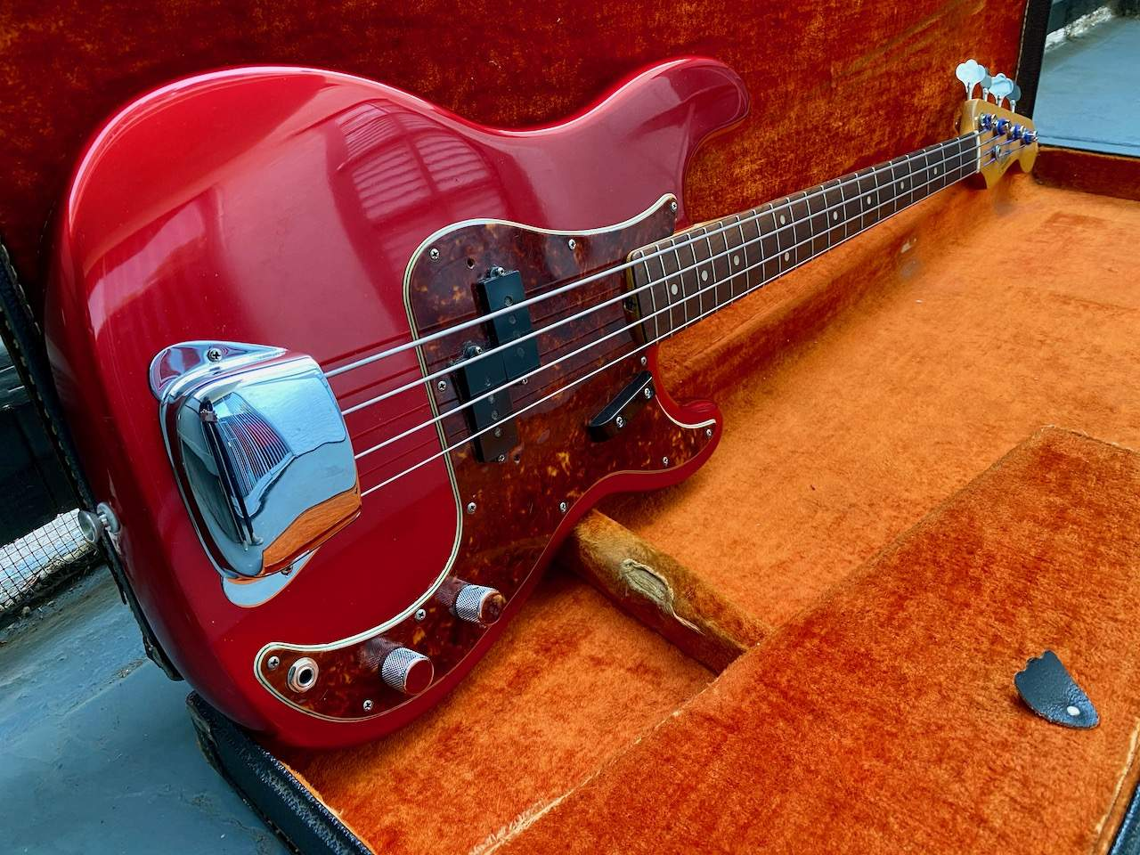1965 Fender Precision Candy Apple Red - 30.jpeg