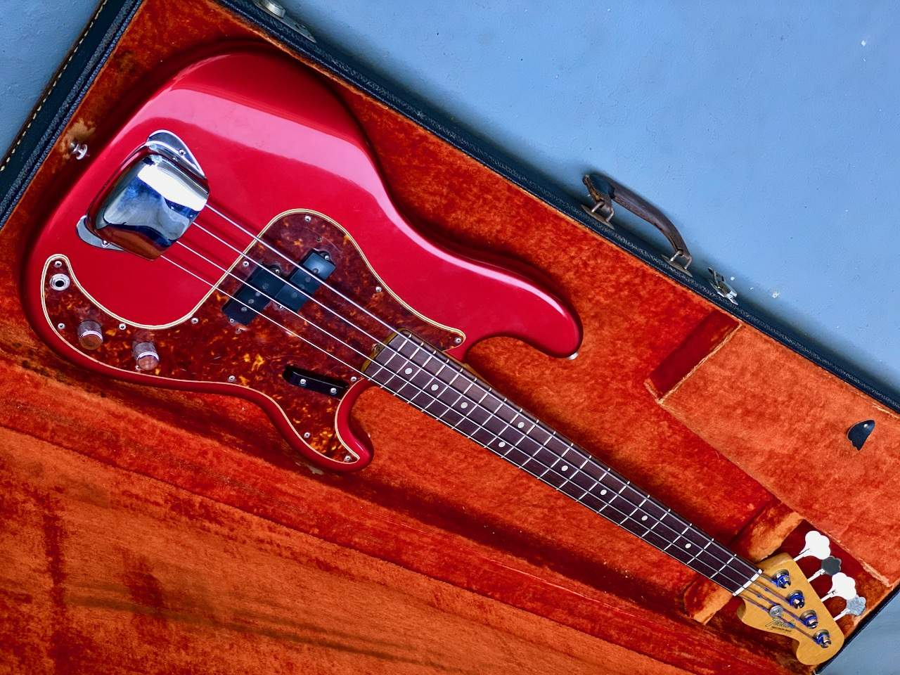 1965 Fender Precision Candy Apple Red - 50.jpeg