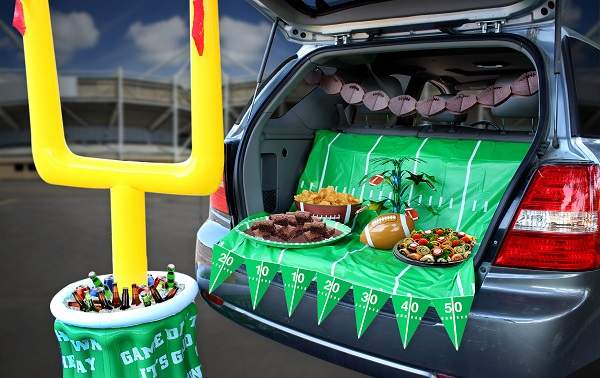 32ce439d-59ea-485c-98c7-bbf52e6a8cf7Tailgating-Party-Image.jpg