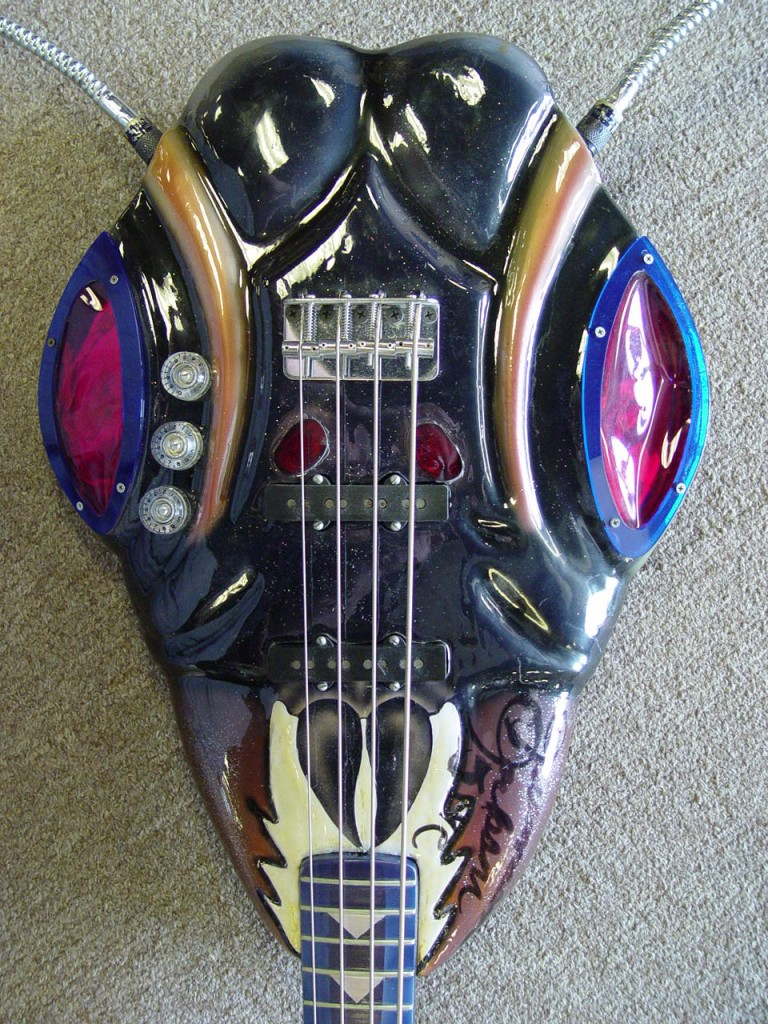 ant-bass-body-close-up-768x1024.