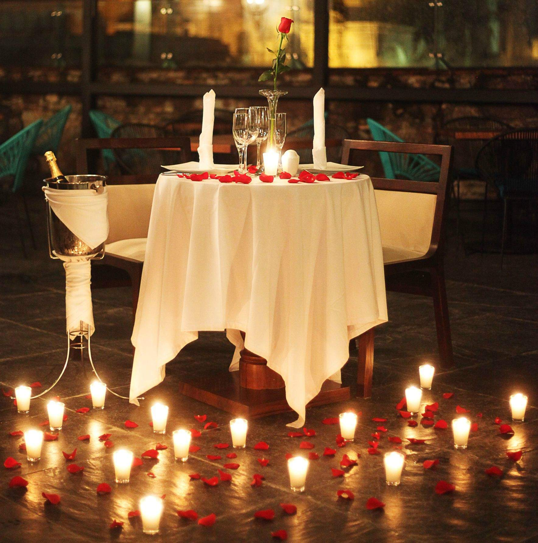 candle light dinner.