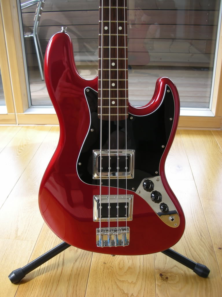 jazz bass with dual humbuckers. Black Bedroom Furniture Sets. Home Design Ideas