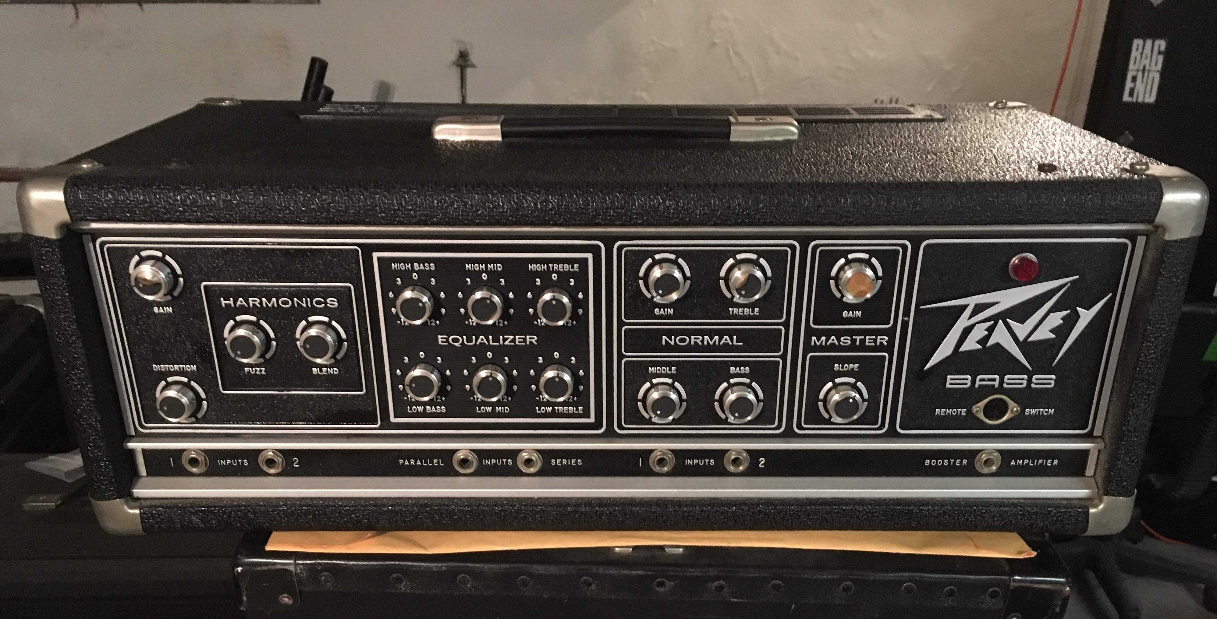 no longer available vintage peavey bass head with built in fuzz box. Black Bedroom Furniture Sets. Home Design Ideas