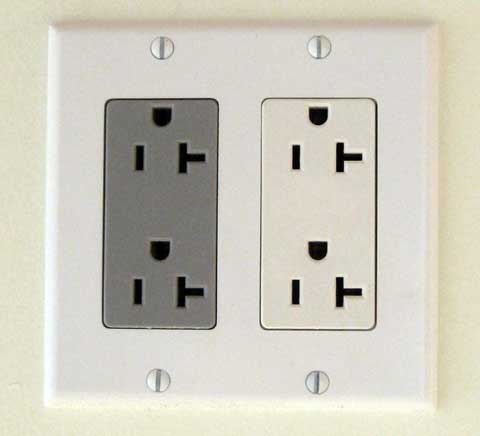 electrical-outlet-orientation.