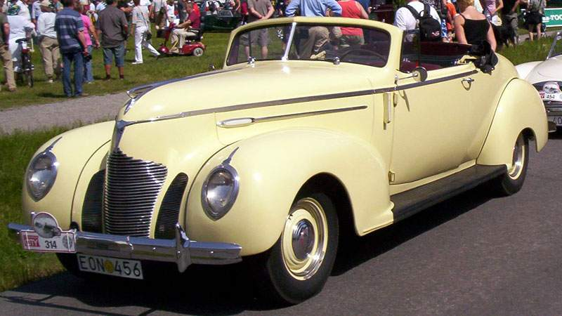 Hudson_Country_Club_Six_93_Convertible_Coupe_1939_2.