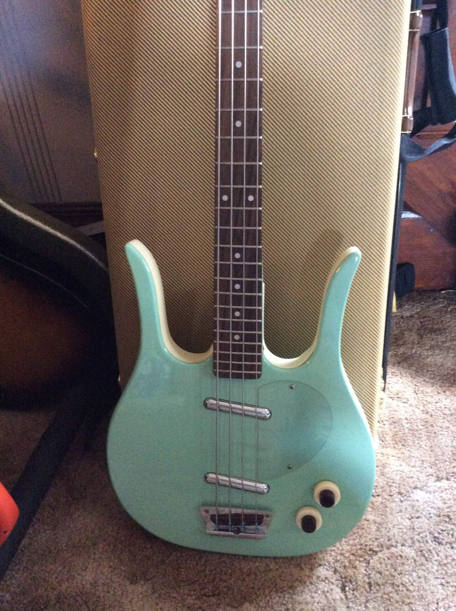 sold danelectro longhorn seafoam green talkbass com danelectro longhorn bass wiring diagram at et-consult.org