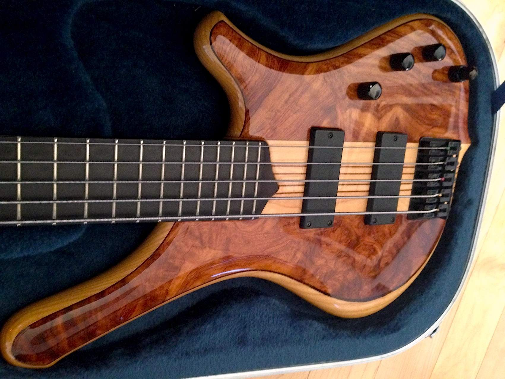 SOLD - Mayones Comodous Custom 5 | TalkBass com
