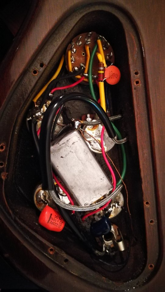 Vintage Gibson Eb3 Wiring Question