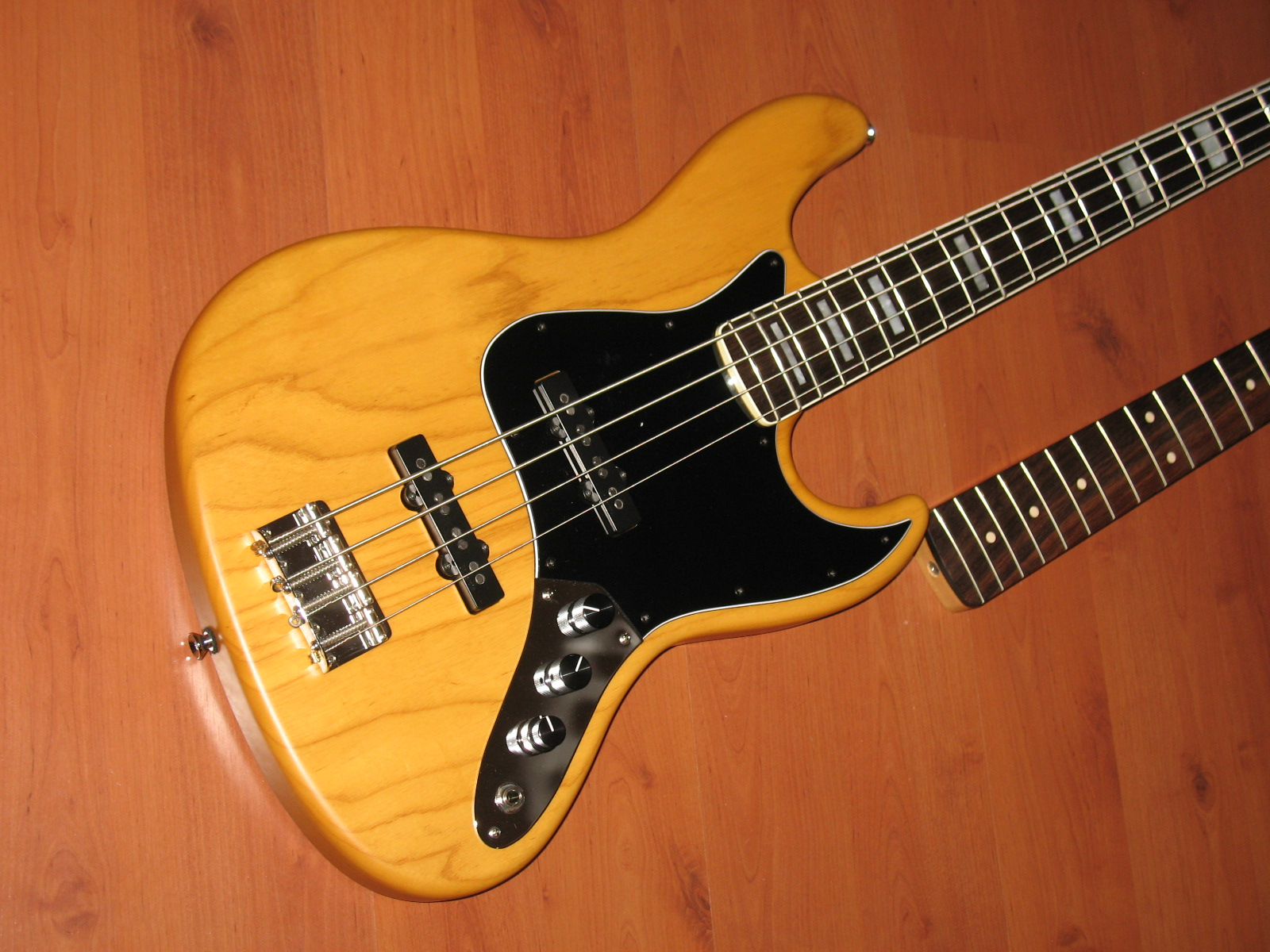 No longer available - '75 RI Jazz Fender-Warmoth-Sadowsky