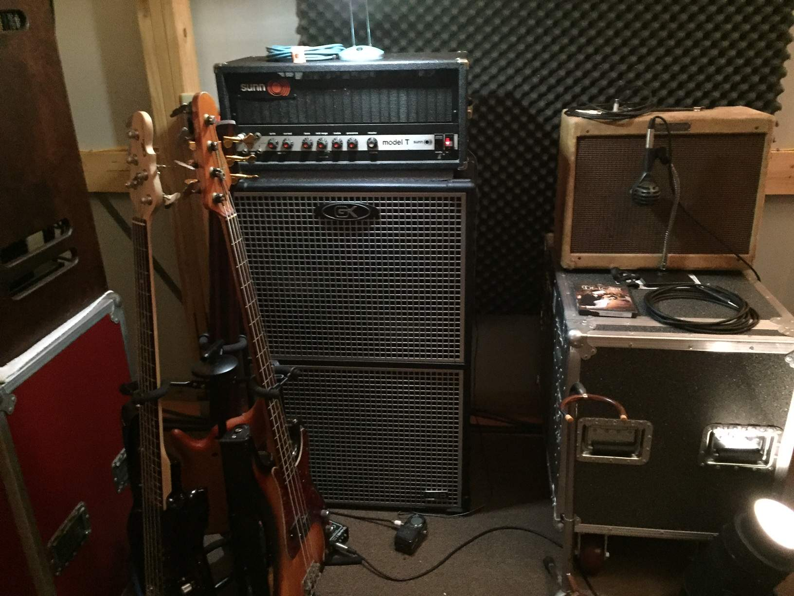 what is the best bass amp ever page 7. Black Bedroom Furniture Sets. Home Design Ideas