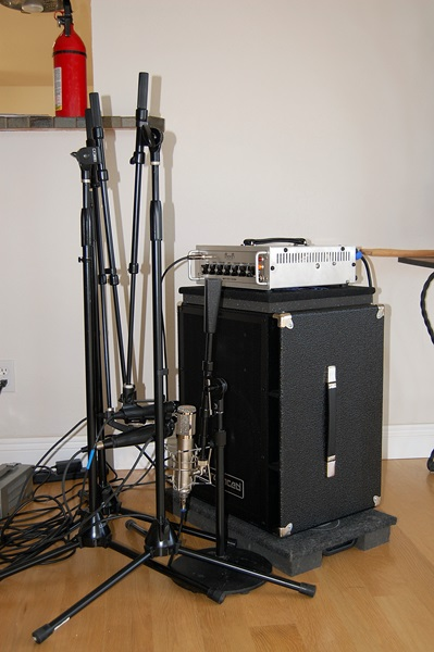 difference in recording with di dynamic and condenser microphones. Black Bedroom Furniture Sets. Home Design Ideas