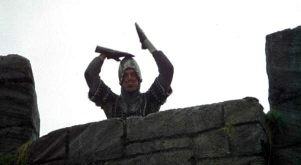 Monty-Python-and-the-Holy-Grail-French-taunter.jpg