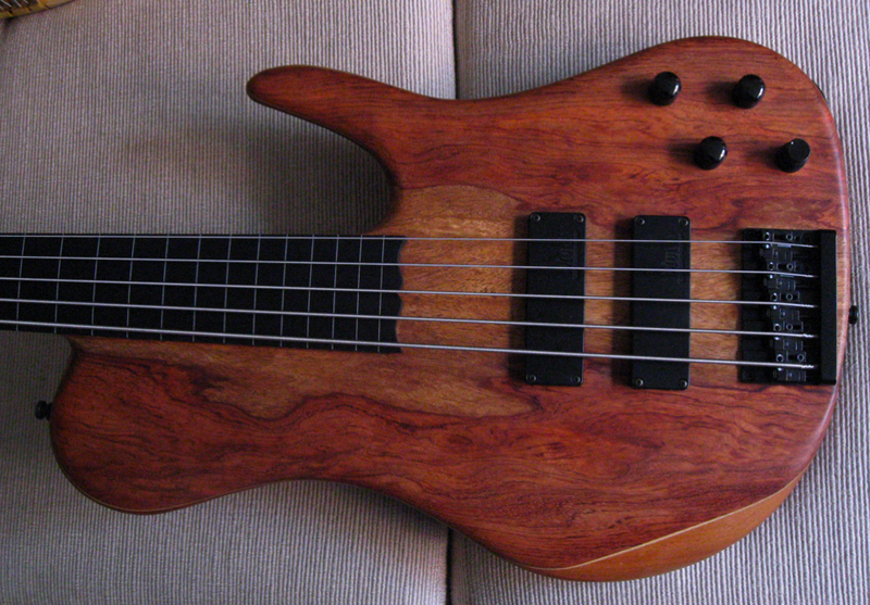 Morch_SingleCut5-Fretless-Body.