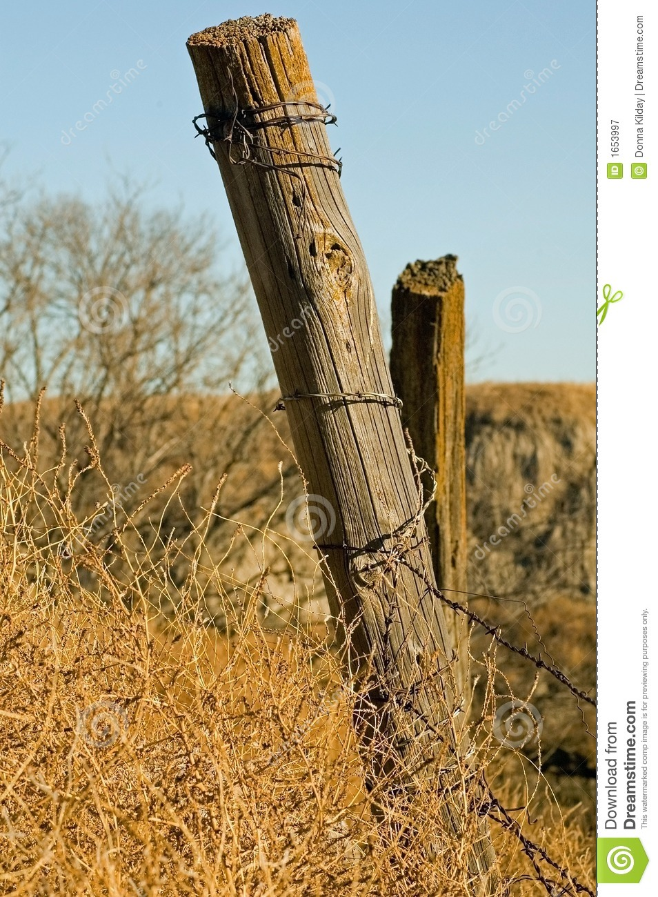 old-fence-post-1653997.jpg