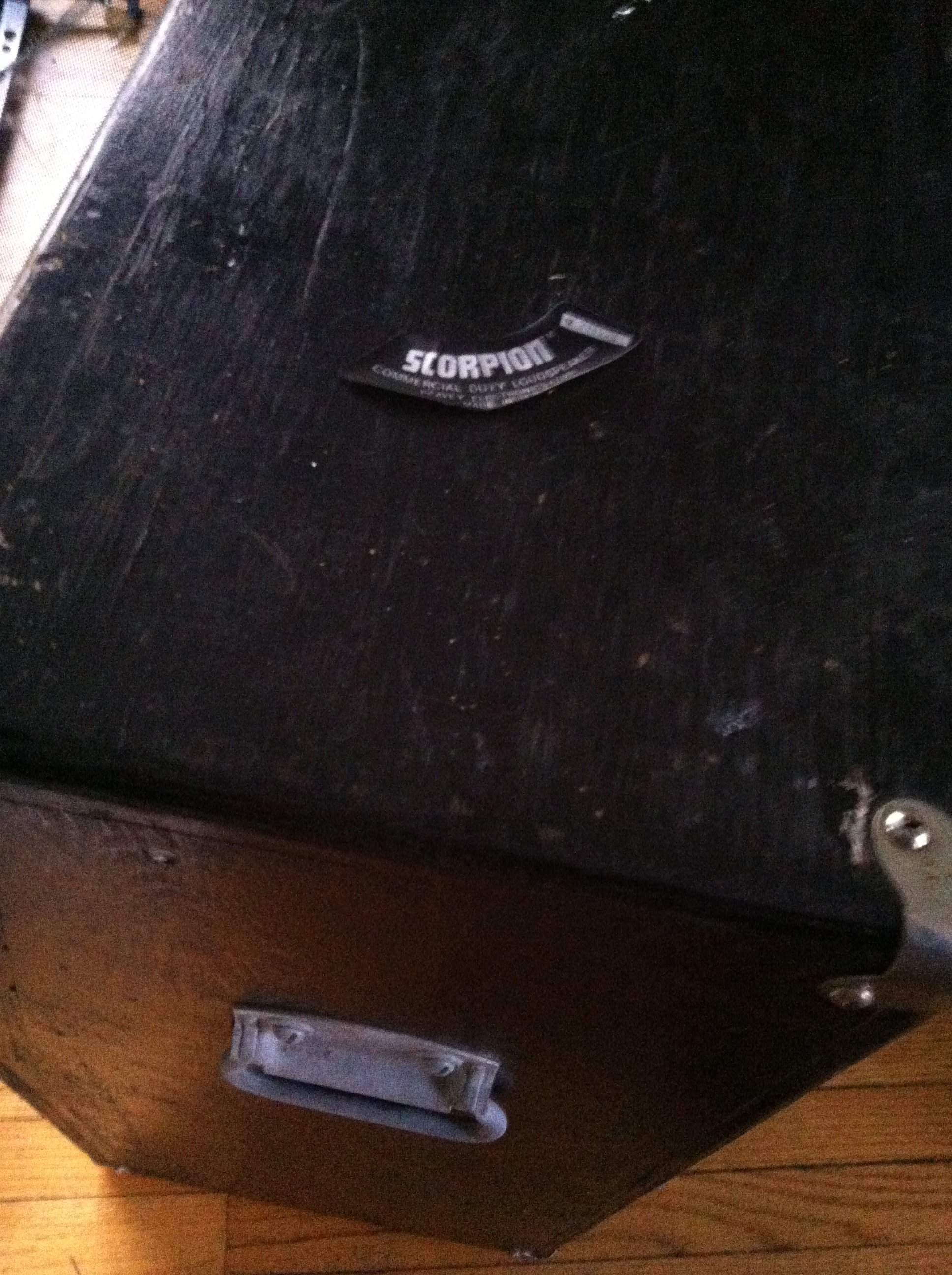 Fender Bandmaster Speaker Cabinet Help Bought A Really Old Peavey Wood Slanted Cabinet 4x12 With 4