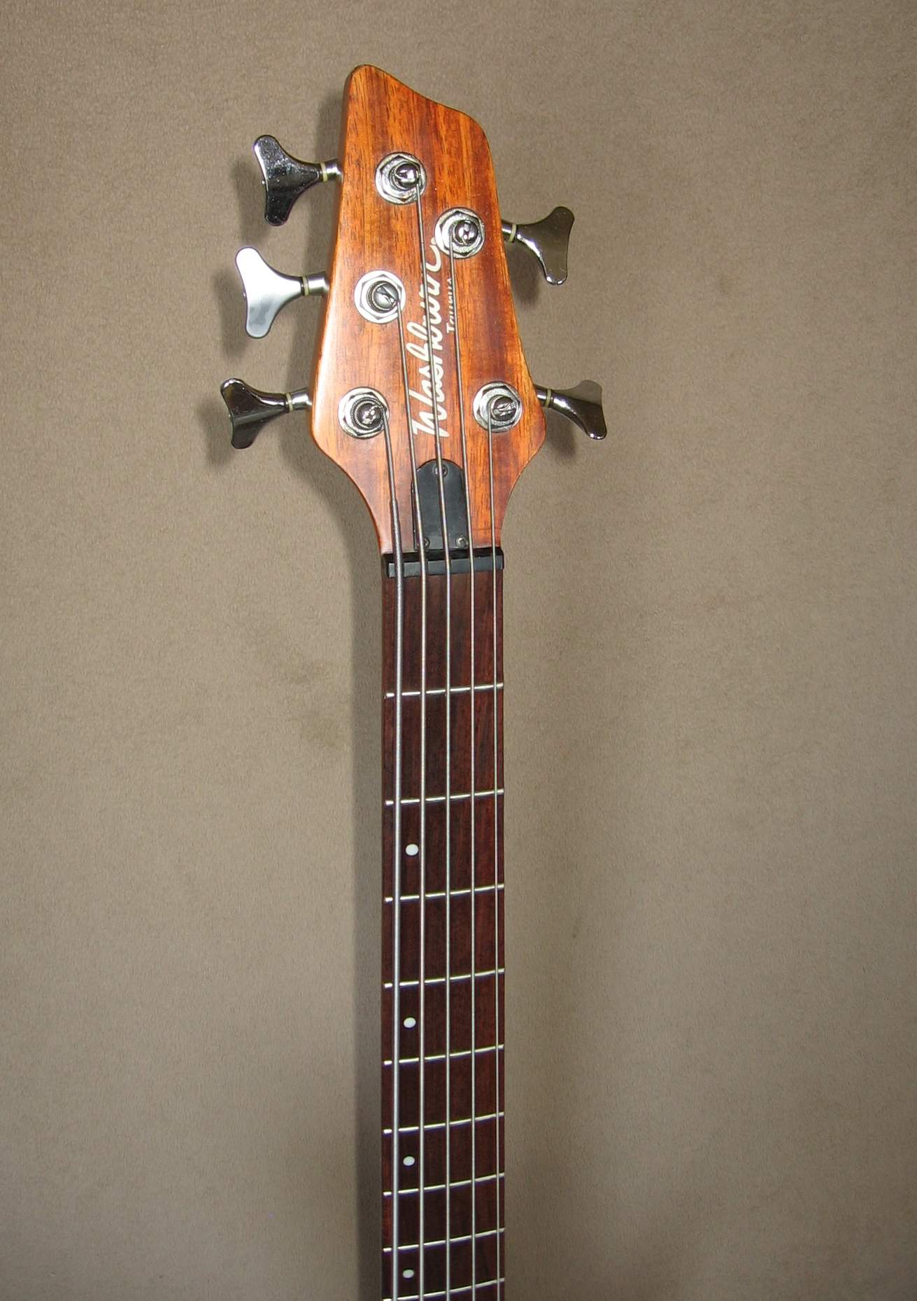 sold 2005 washburn t25 5 string neck through bass guitar local pickup only. Black Bedroom Furniture Sets. Home Design Ideas