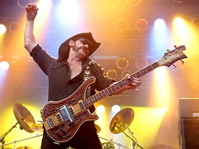 Rickenbacker-Lemmy-With-Bass.jpg