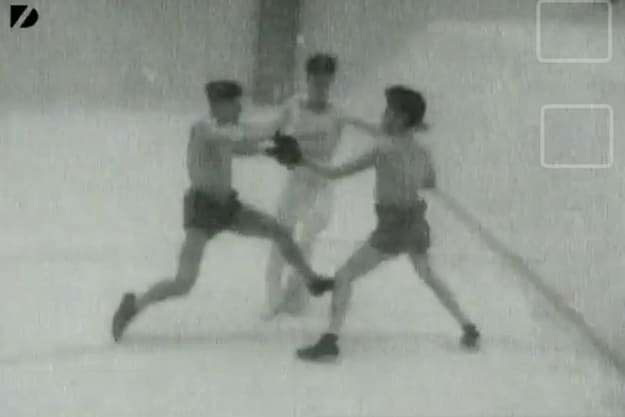 Underwater-Boxing-Match-From-1939-1.