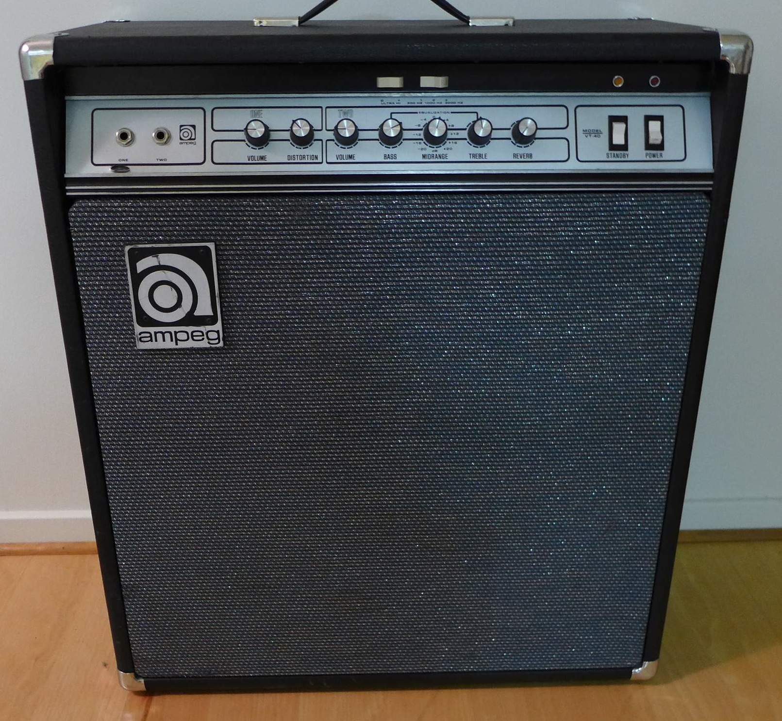 for sale ampeg vt 40 tube 4 10 guitar combo amp. Black Bedroom Furniture Sets. Home Design Ideas