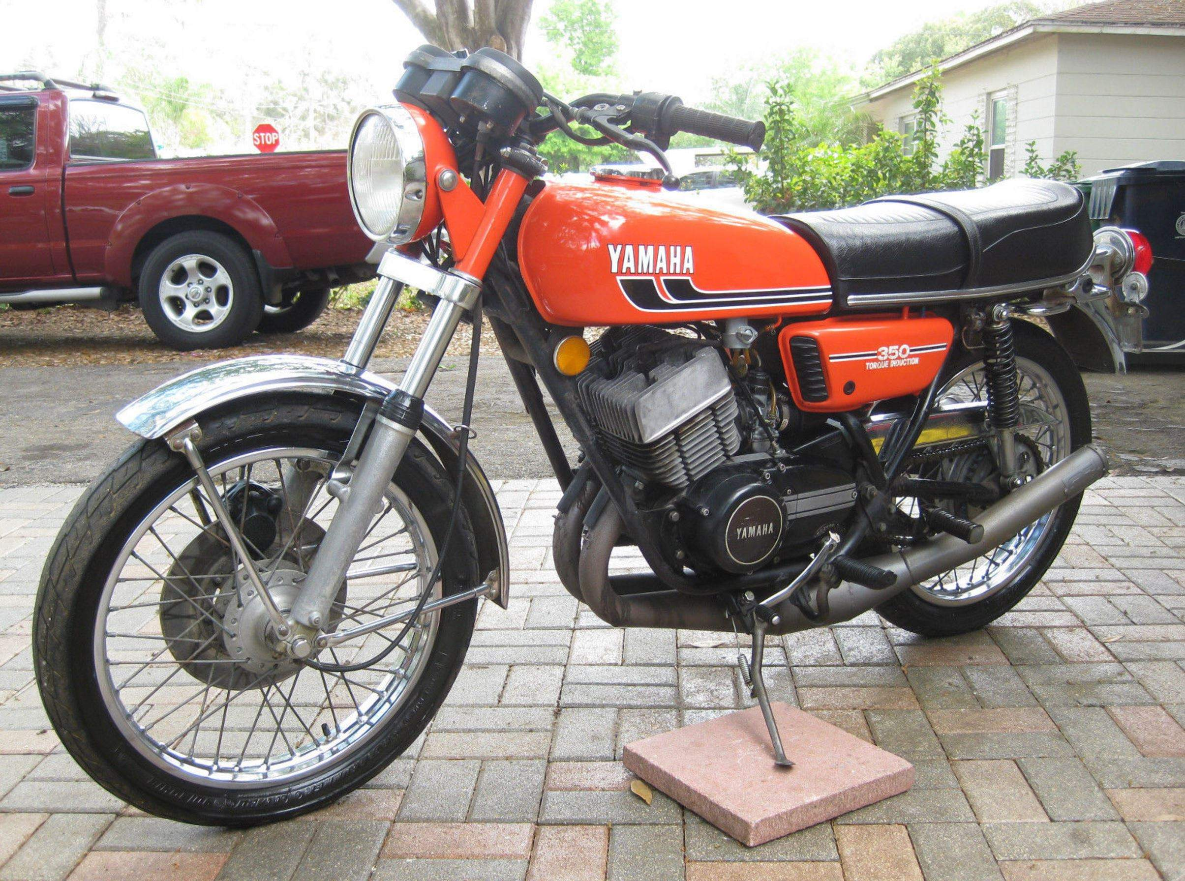 Yamaha-RD350-Left-Side-1.