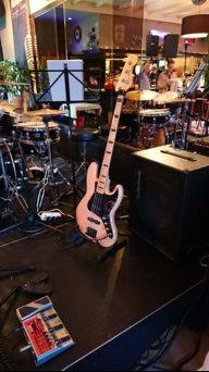 Bas bassist